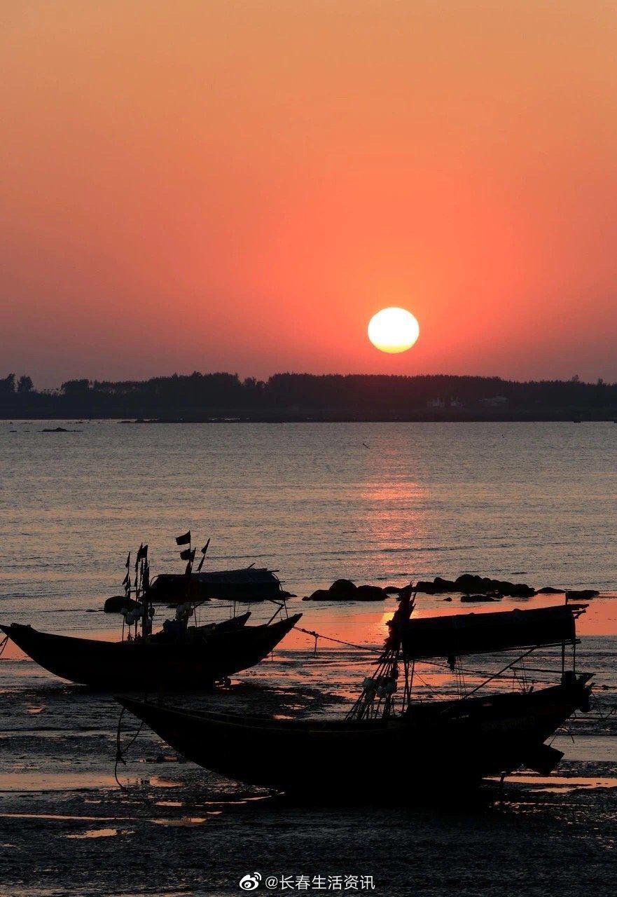想去钦州了! 钦州三娘湾这里是中华白海豚的故乡。 海域内……