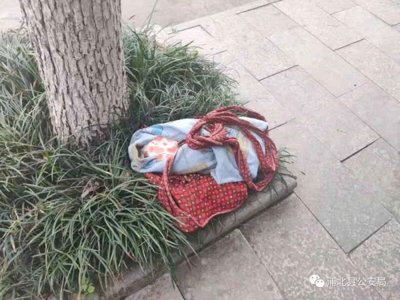 浦北客运汽车站前发现一名女弃婴,警方神速找到婴儿生父!被弃原因竟然是...太气愤了!