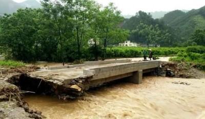 火热变水深!广西发布暴雨预警,多地已被淹!
