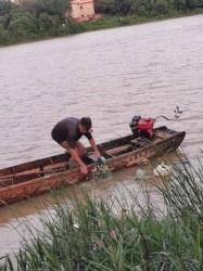 大丰收!钦州江捕鱼阿伯,捕了上百斤鱼引围观