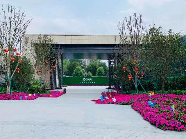 敏捷·珑玥湾  125㎡ 57万元 钦江边,市府旁,双园环绕;百强房企力作,广西首个项目;一线江景藏